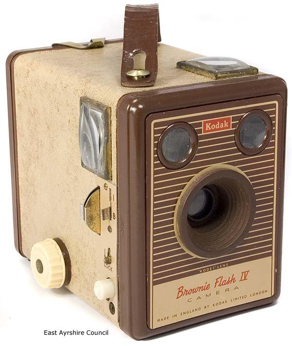 kodak brownie flash iv camera information the brownie camera page. Black Bedroom Furniture Sets. Home Design Ideas